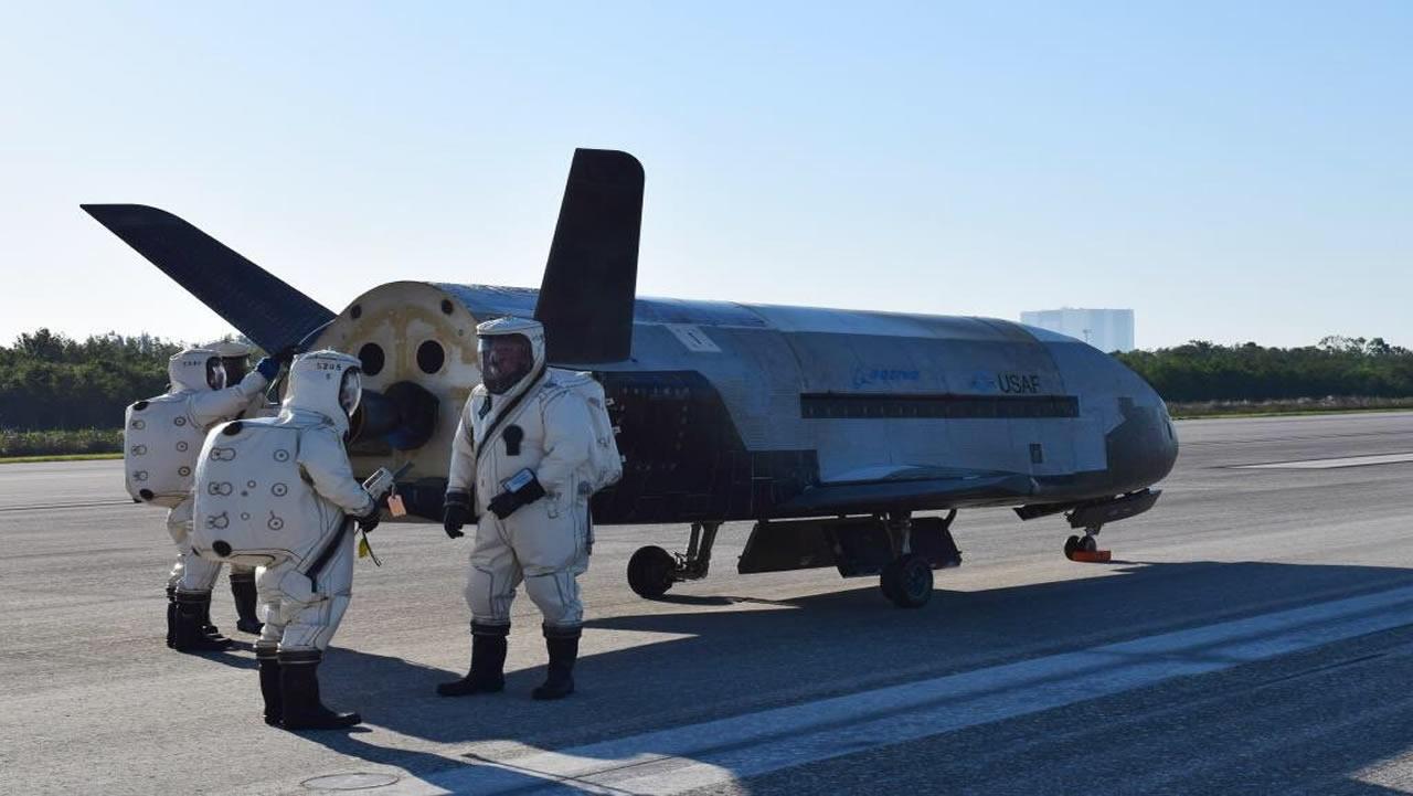 X-37B: Misterioso avión de la Fuerza Aérea de EE.UU. aterriza luego de 718 días en órbita