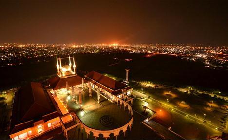 Indonesia akan mengajak anda jalan jalan melihat keindahan kawasan rekreasi di semarang da 10 Tempat Wisata Di Semarang Terbaru dan Menarik
