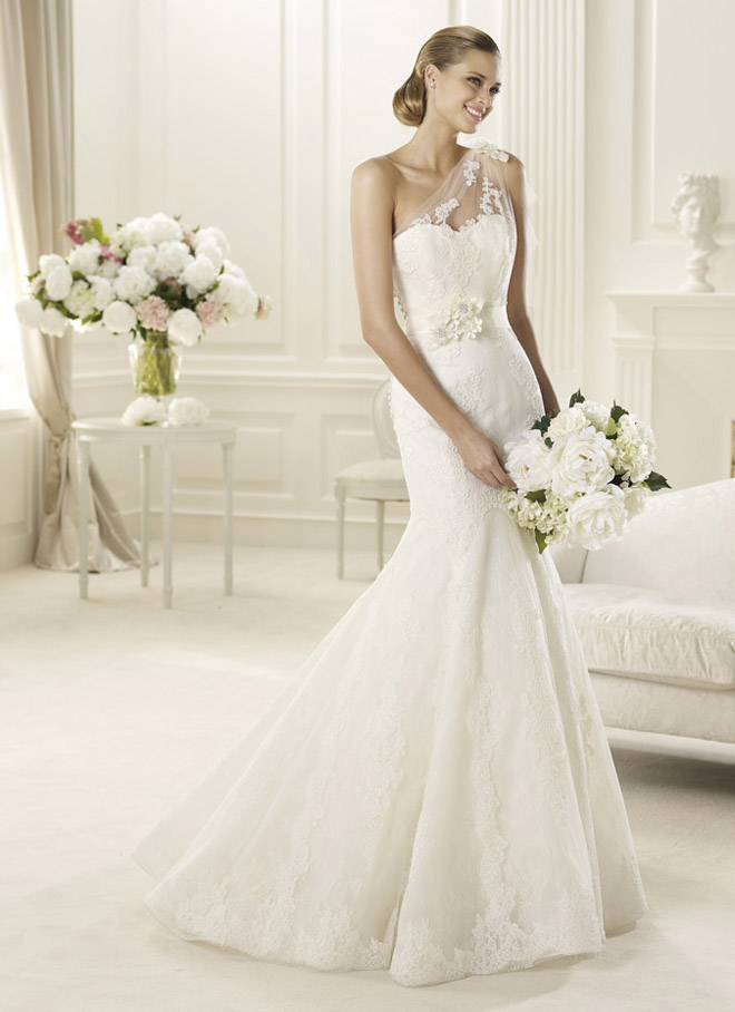 Manuel Mota 2013 Bridal Collection + My Dress of the Week - Belle ...