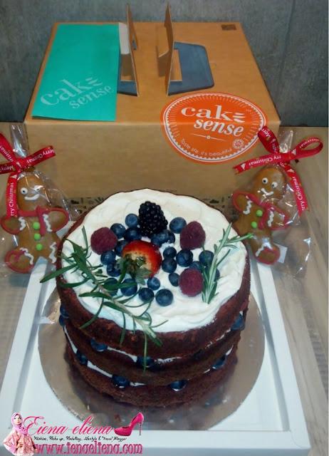 Red Velvet Garden Cake Sense