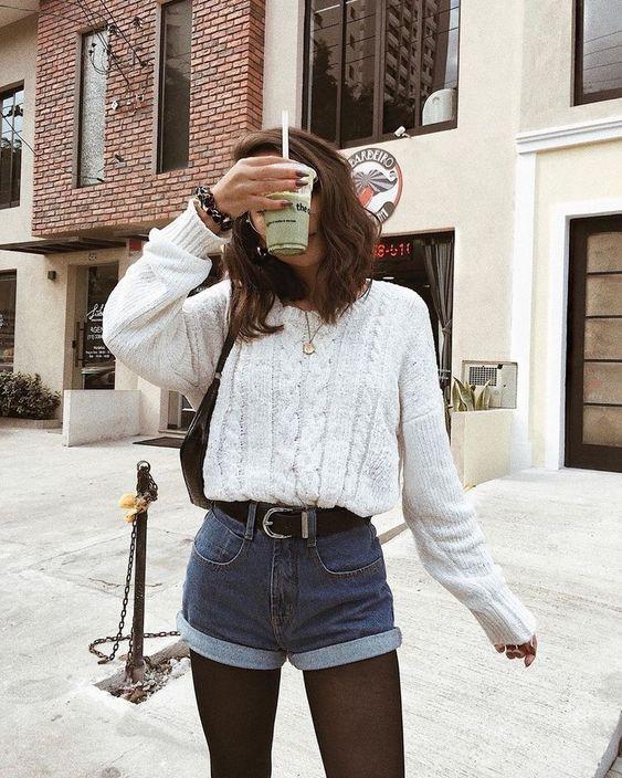 Look de inverno com shortinho jeans