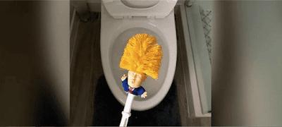 """l'inquilino della Casa Bianca è diventato uno scopino da wc soprannominato """"Commander In Crap""""."""