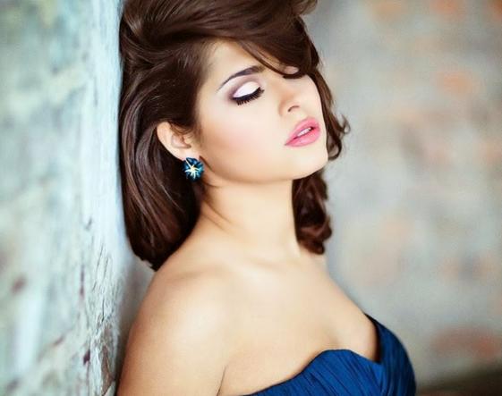 Hottest Stylish Girl HD FB DP