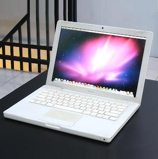 MacBook White Core2Duo Early 2008 Di Malang