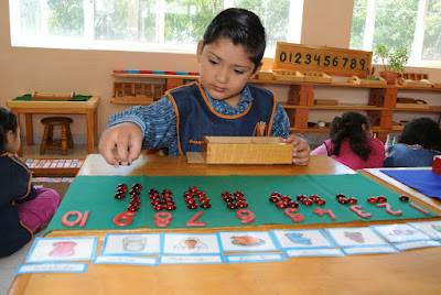 Educación Montessori Niños