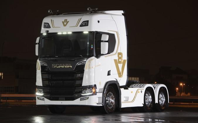 Scania apresenta duas edições especiais na Fenatran 2019