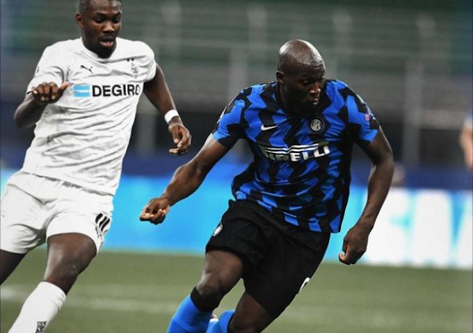 Lukaku salva l'Inter, a San Siro contro il Gladbach è solo 2-2