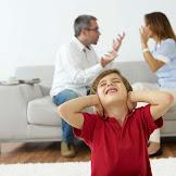 Jangan Mempertahankan Rumah Tangga Hanya Demi Anak, Ini Efek Negatifnya