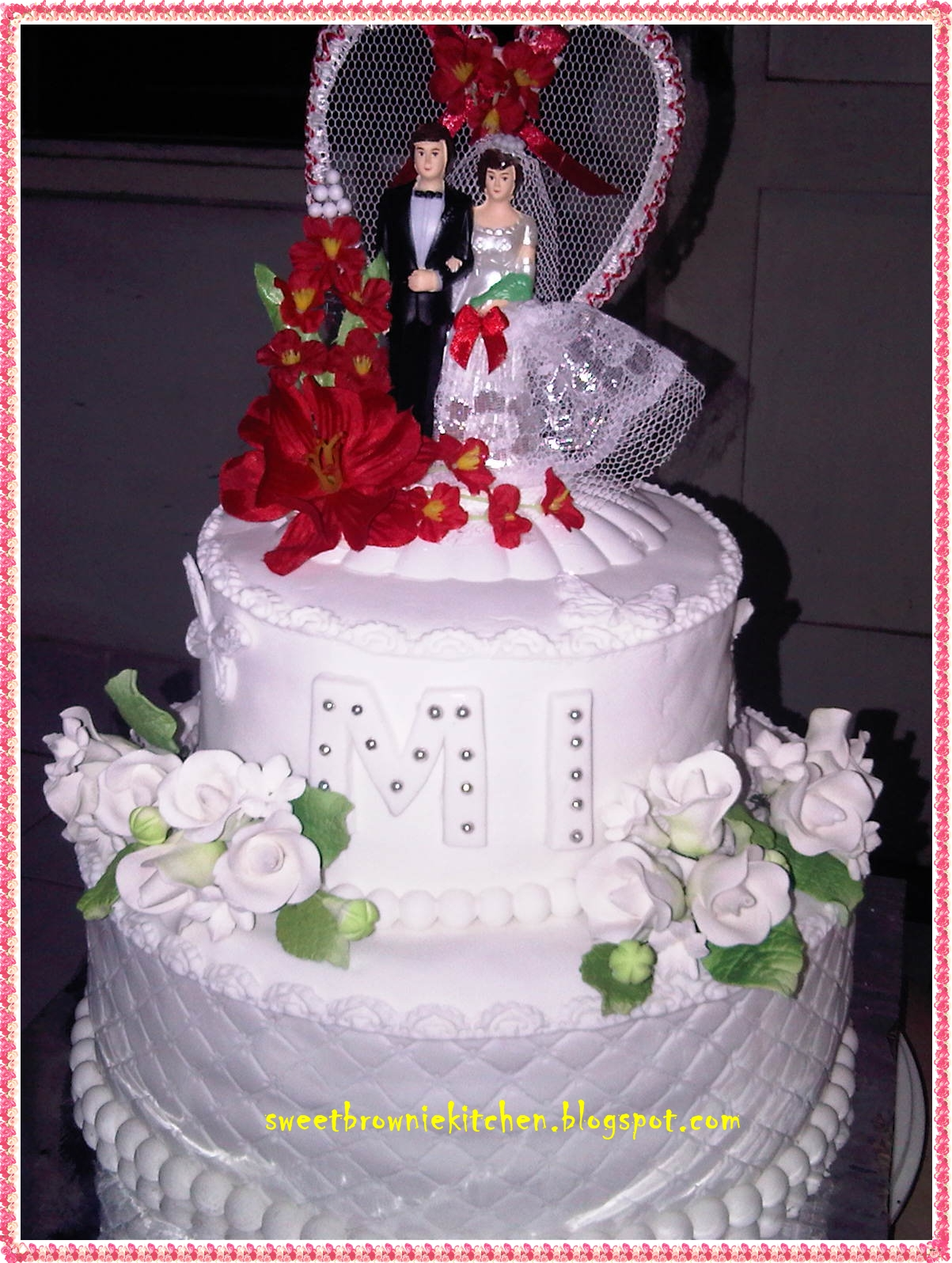 two tier wedding cake white sweetbrowniekitchen white wedding cake two tier for merry 21374