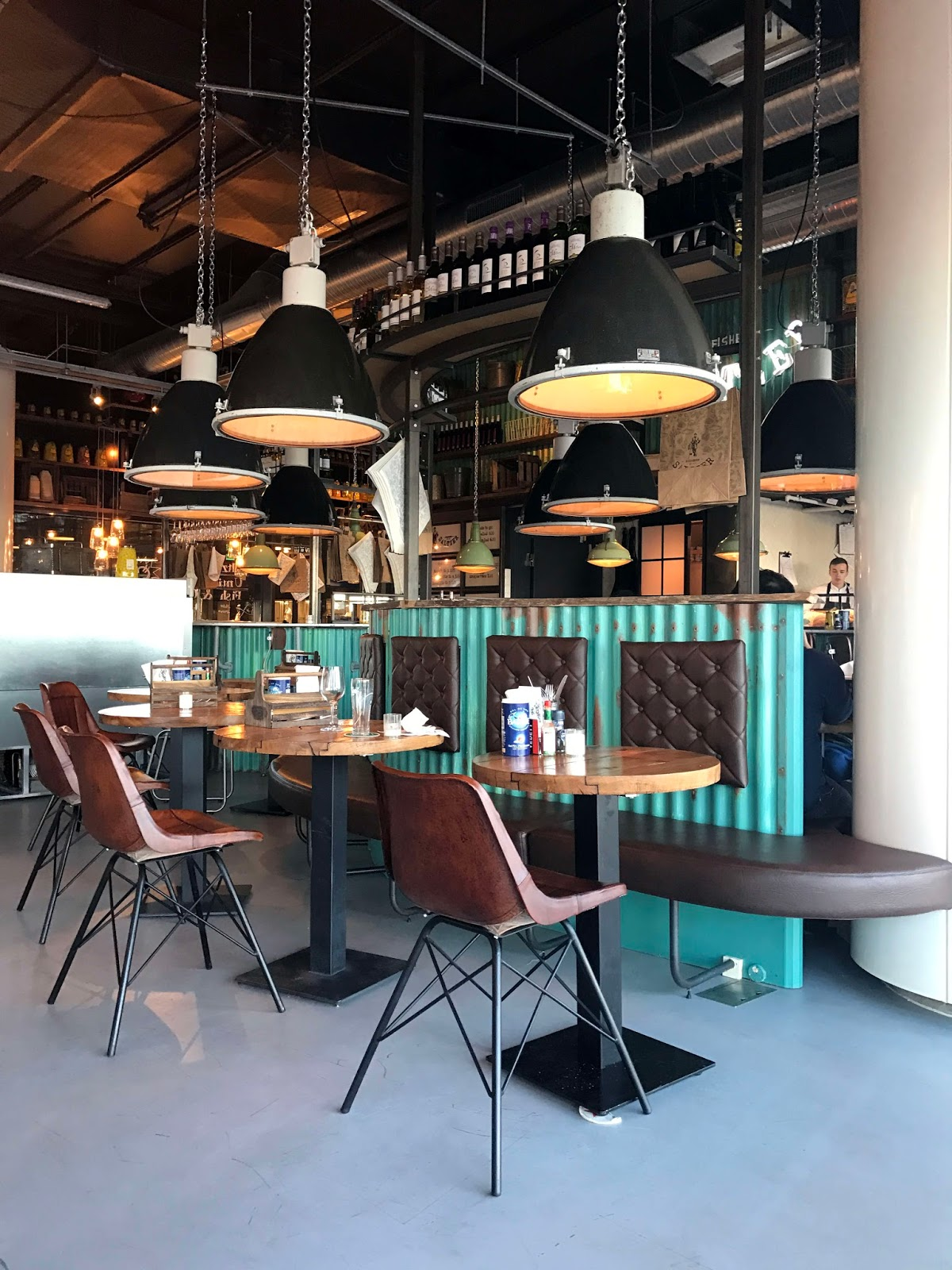 Stitch & Bear - Amsterdam - Fishbar Saltzer