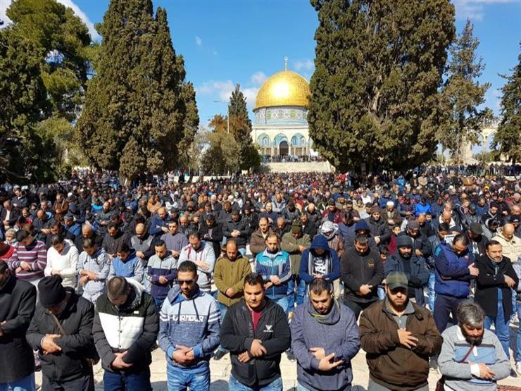 جنبا إلى جنب مع تفشي كورونا والتصعيد الإسرائيلي في فلسطين ... المسلمون حول العالم يحتفلون بأول أيام عيد الفطر
