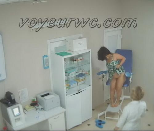 Woman secretly filmed during a Gynecological Examination (Gynecologist Examination 25-34)