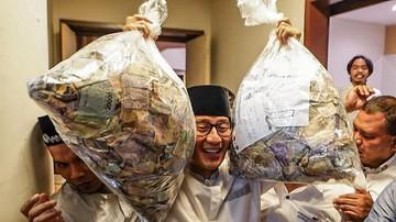 Sandi Sebut Wakaf Uang untuk Masyarakat, Warganet: Gak Percaya, Bansos Aja Dikorup