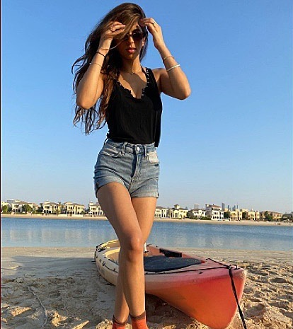 suhana khan Sizzles With Her Sensuous Pictures  - newsdezire