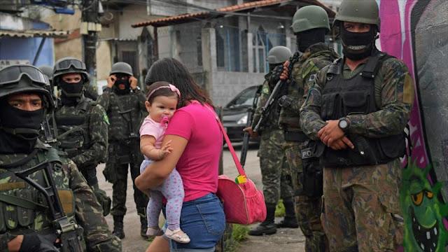 Ejército de Brasil actúa con mano dura en las favelas del Río