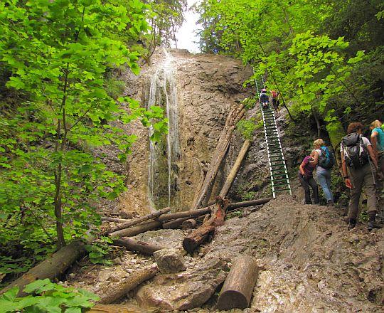 Wodospad Tęczowy (słow. Dúhový vodopád).