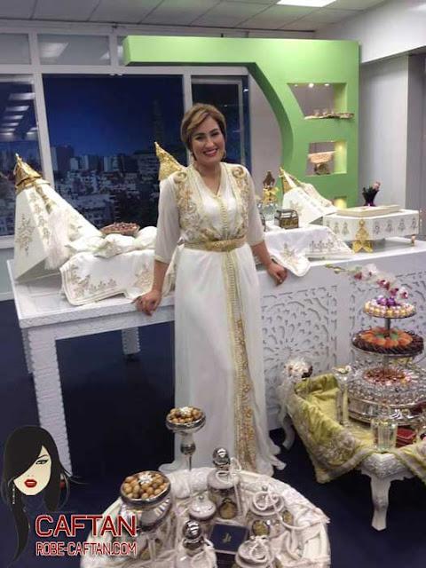 Caftan dress sous la tendance orientale