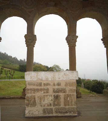 Ara de San Miguel de Lillo SANTA MARÍA DEL NARANCO PRERROMÁNICO EN ASTURIAS ROMÁNICO EN EL CAMINO DEL SALVADOR
