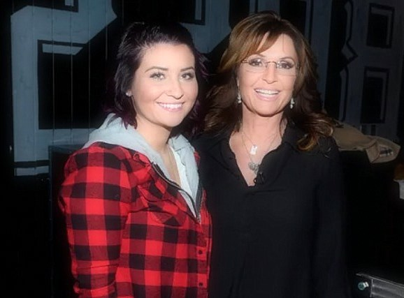 Sarah Palin's daughter, Willow, is pregnant and is having twins.