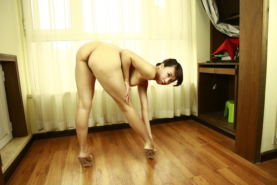 Chinese Nude_Art_Photos_-_092_-_LinLi re