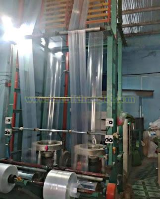 máy thổi túi nhựa tại công ty bao bì Khang Lợi