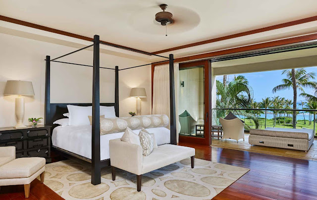 A premier Maui resort, Montage Kapalua Bay invites guests to experience oceanfront accommodations imbued with island spirit.