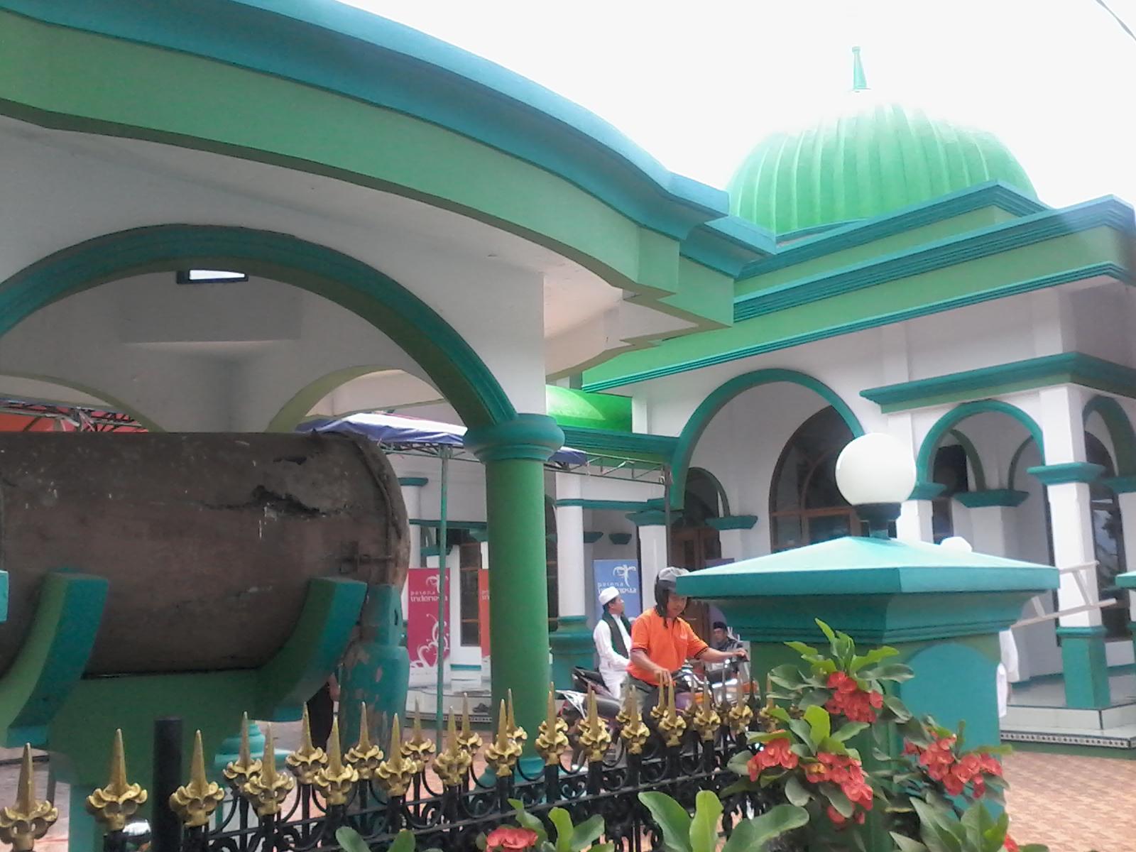 Penting 56 Kombinasi Warna Cat Masjid