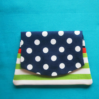 Mini Fabric Purse/Card Holder by PostalThreads.blogspot.com