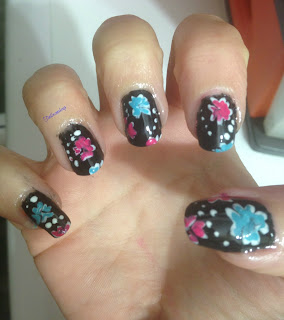 neon_flowers_black_background_nail_art