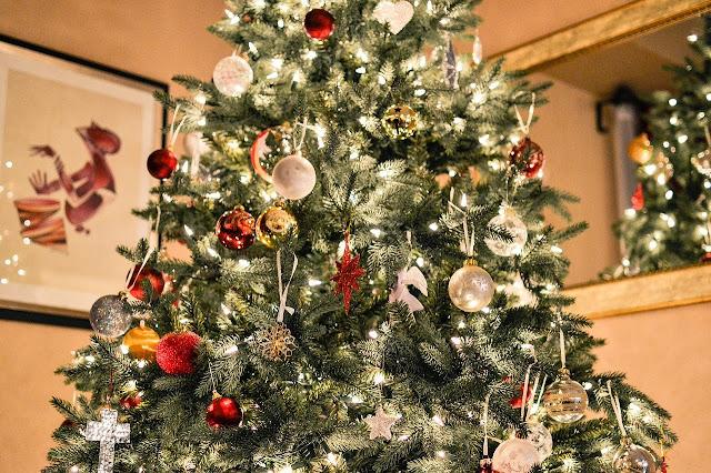 Uma linda árvore de natal já montada