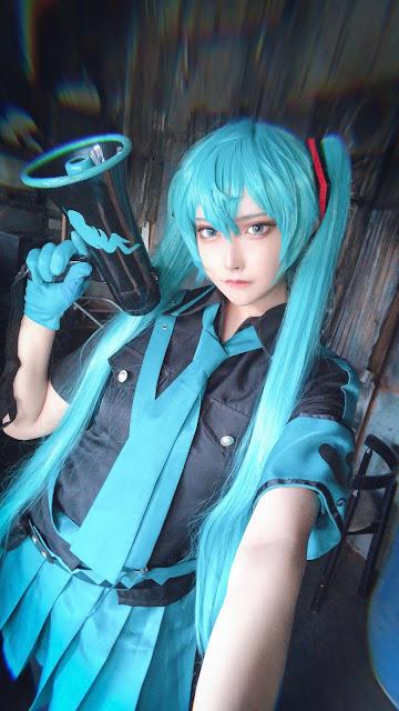 Matsuna cosplayer cantik hatsune miku
