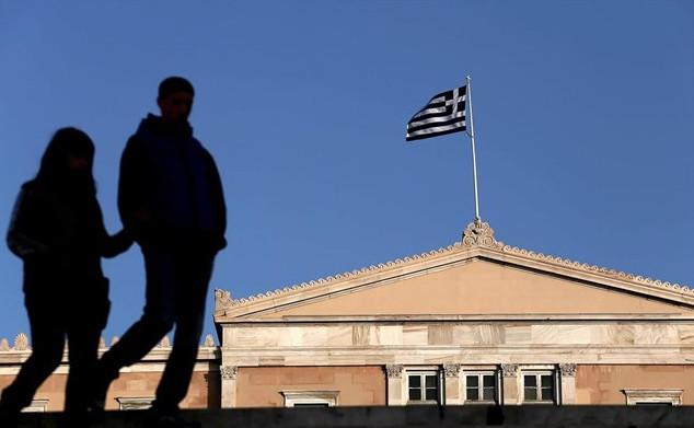 Η κατάληψη της Ελλάδος και Δημοκρατία