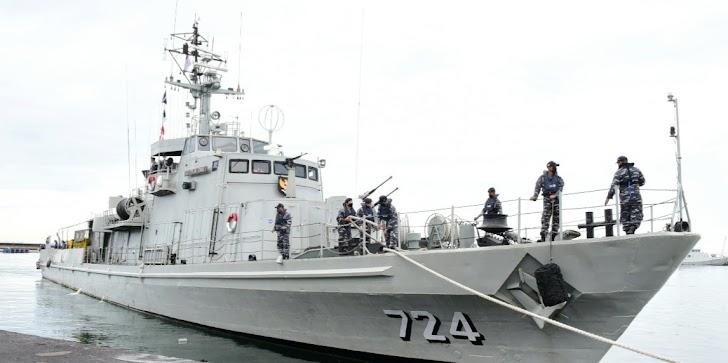 Danlantamal VI Tinjau Operasi Netralisasi Ranjau Oleh KRI Pulau Rimau – 724
