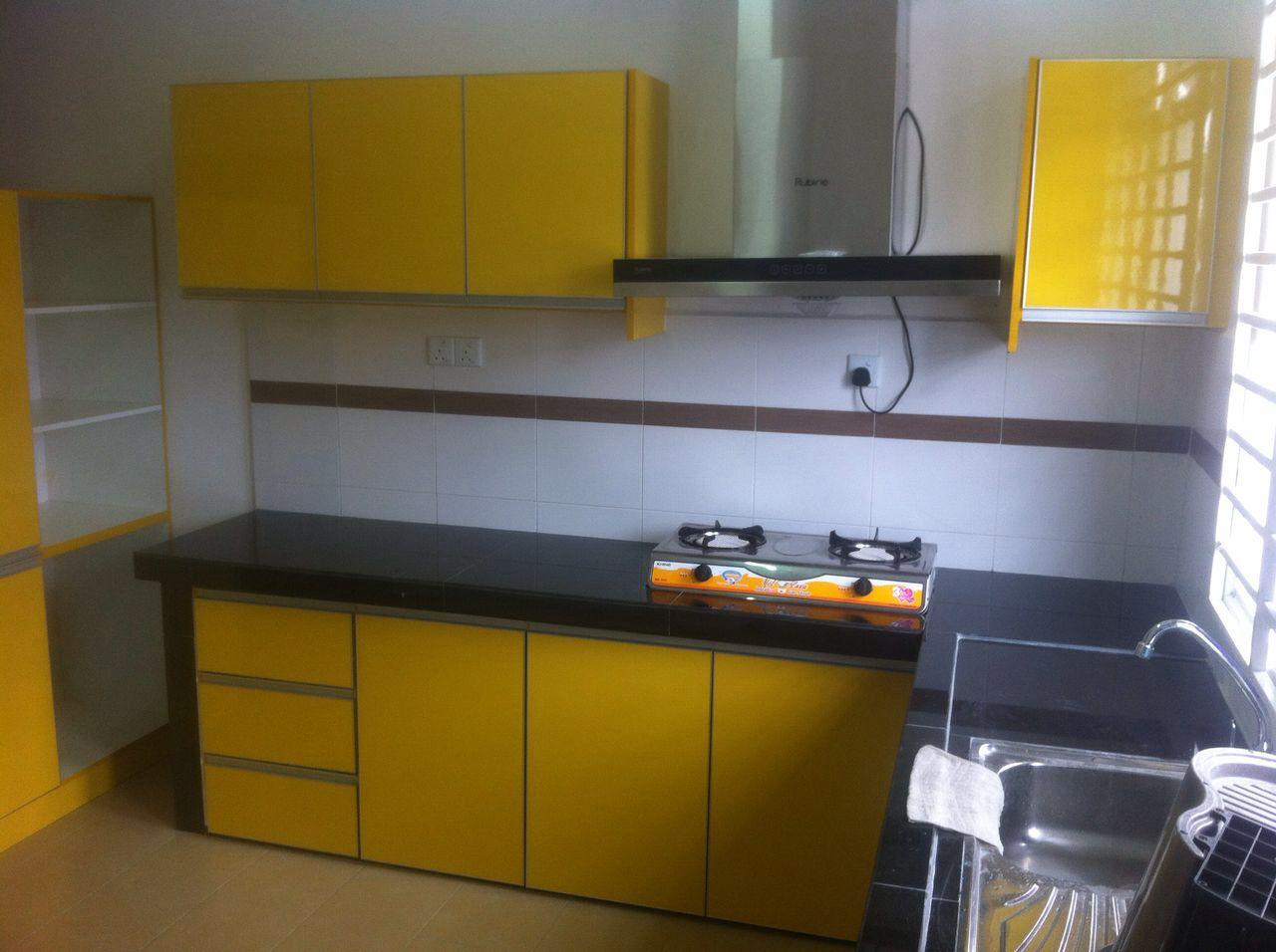 Warna Kuning Menjadi Pilihan Di Hati Dengan Menggunakan Material Jenis Fomeca High Gloss Memang Menampn Ciri Dapur Yang Luas