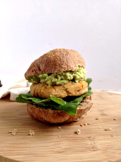 Curried Carrot & Bean Veggie Burger - Easy homemade vegan burgers that are perfect served on a burger bun with a good dollop of guacamole