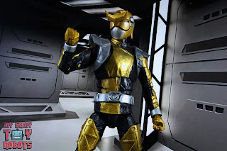 Lightning Collection Beast Morphers Gold Ranger 11