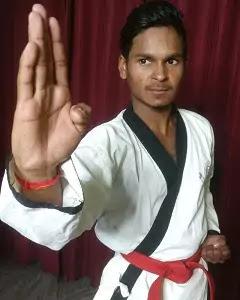 Red Belt Karate Meaning in Hindi. जानिए कराटे में लाल बेल्ट का मतलब।
