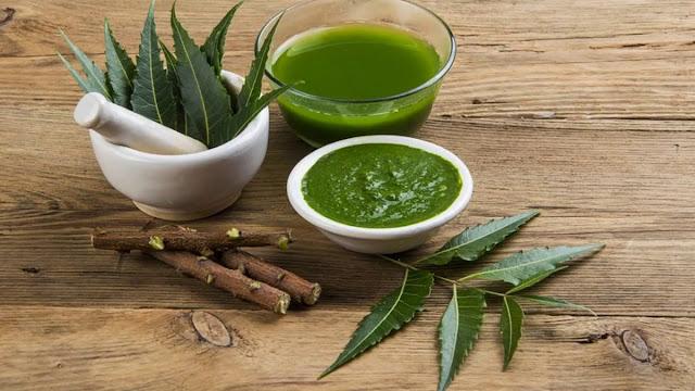 Avantages incroyables pour la santé du jus de neem et comment le faire