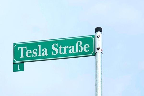 Wasser in der Tesla Giga-Fabrik wegen unbezahlter Rechnungen abgestellt