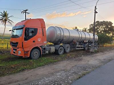 Falso Caminhoneiro é preso com 'rebites' e caminhão com placa clonada
