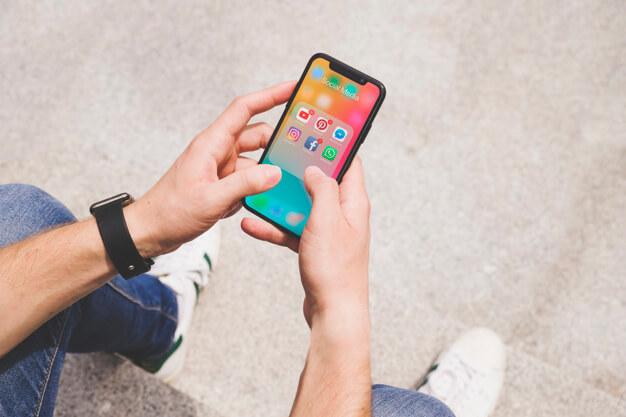 cara-memeriksa-siapa-saja-yang-dapat-melihat-lokasi-iphone