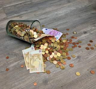 cara hemat uang Konsisten Menabung