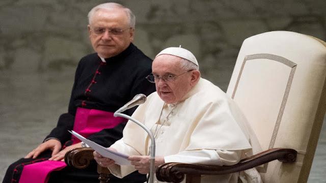 Paus Fransiskus: Hentikan Membangun Demokrasi di Negara Lain dan Mengabaikan Tradisi Masyarakat