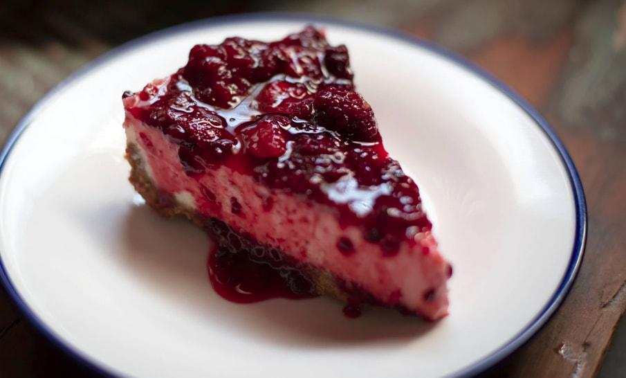 Cheesecake cu dulceata acrisoara