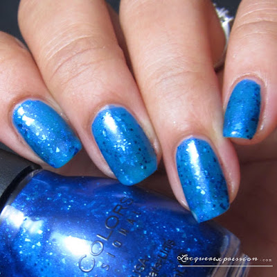 nail polish swatch of Don't Flake by sinfulcolors