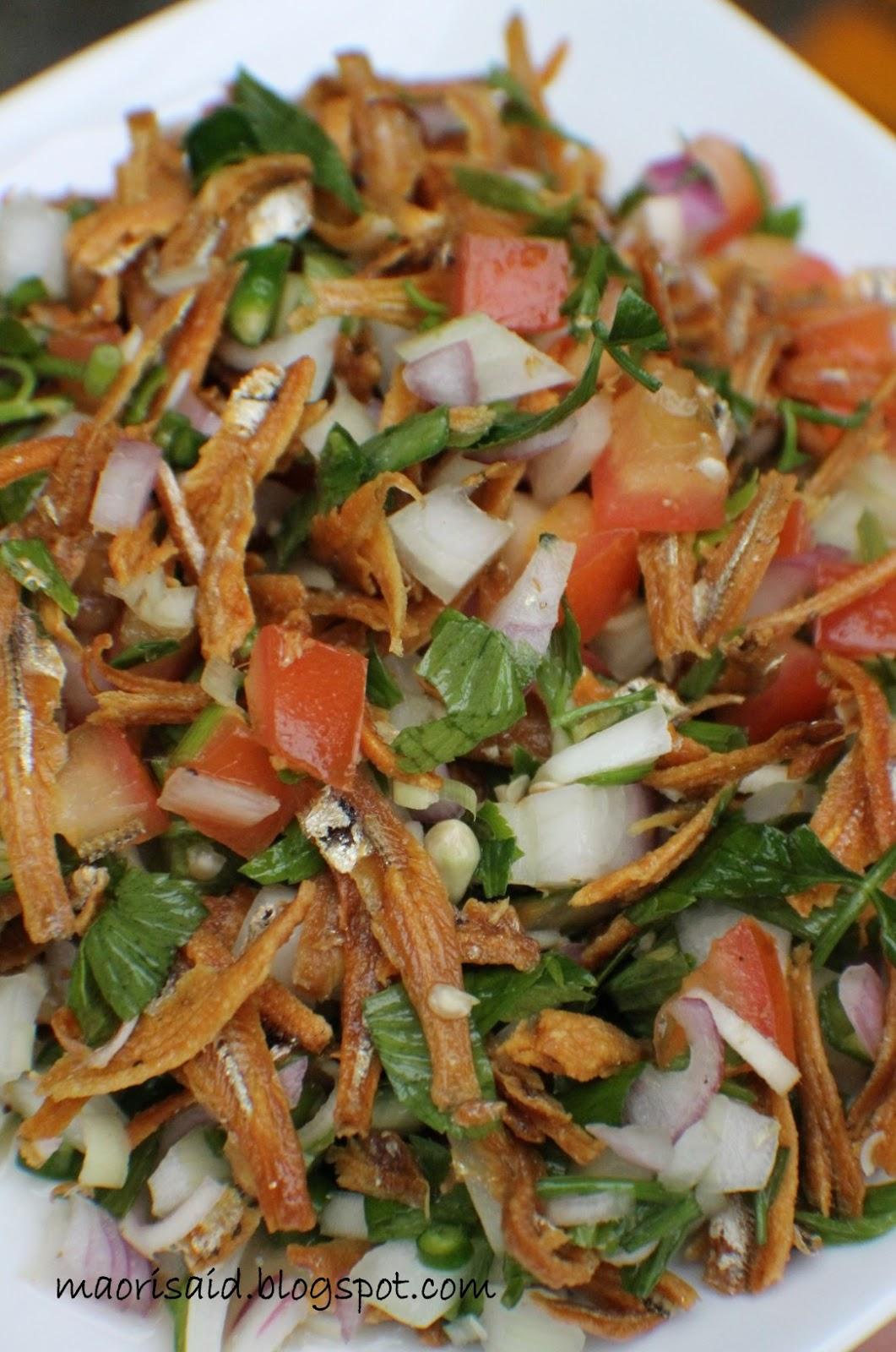 Mori's Kitchen: Kerabu Ikan Bilis Daun Selom