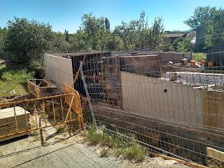 muro de cimentación vivienda unifamiliar en esquina