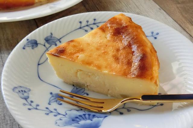 桃のベイクドチーズケーキ