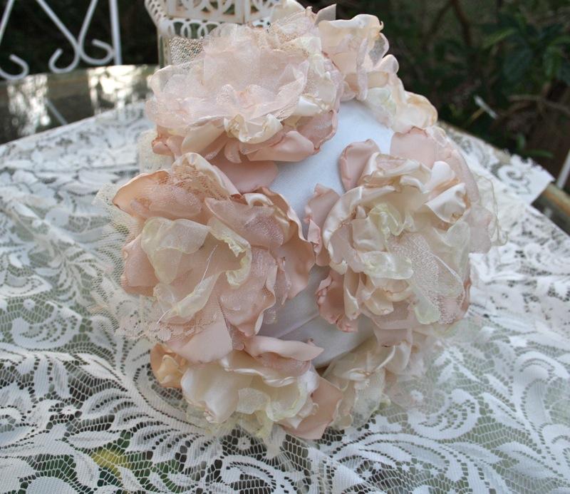 Fabric Flower Wedding Bouquet Tutorial: The Polka Dot Closet: Fabric Flower Bridal Bouquet