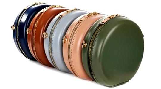How would you like to liberate your most beautiful models with leather bags